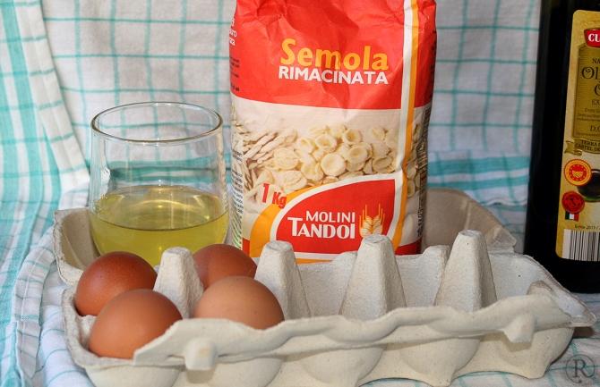 frische Eier, gutes Mehl, etwas Wasser falls nötig