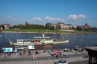 Dresden Elbufer Schiffsanleger