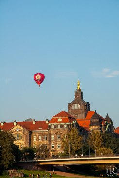 Dresden Elbufer Heißluftballon