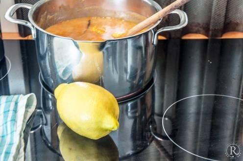 Zitronensaft und Abrieb